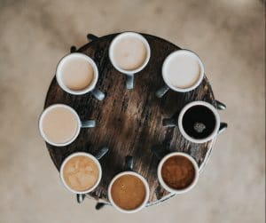 table-coffee-different-cups