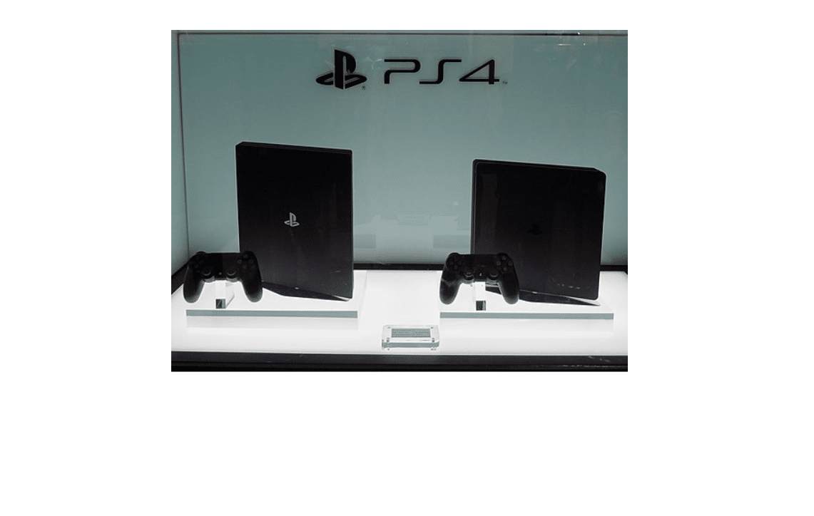 Sony PlayStation 4 Pro and PlayStation 4 Slim on display 2