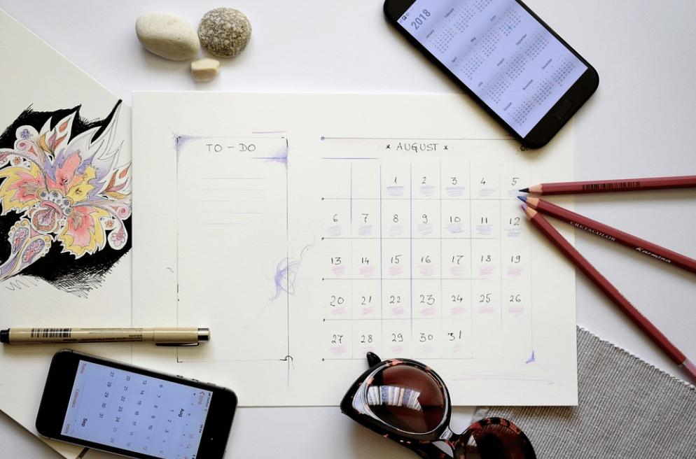 workstation-with-calendar