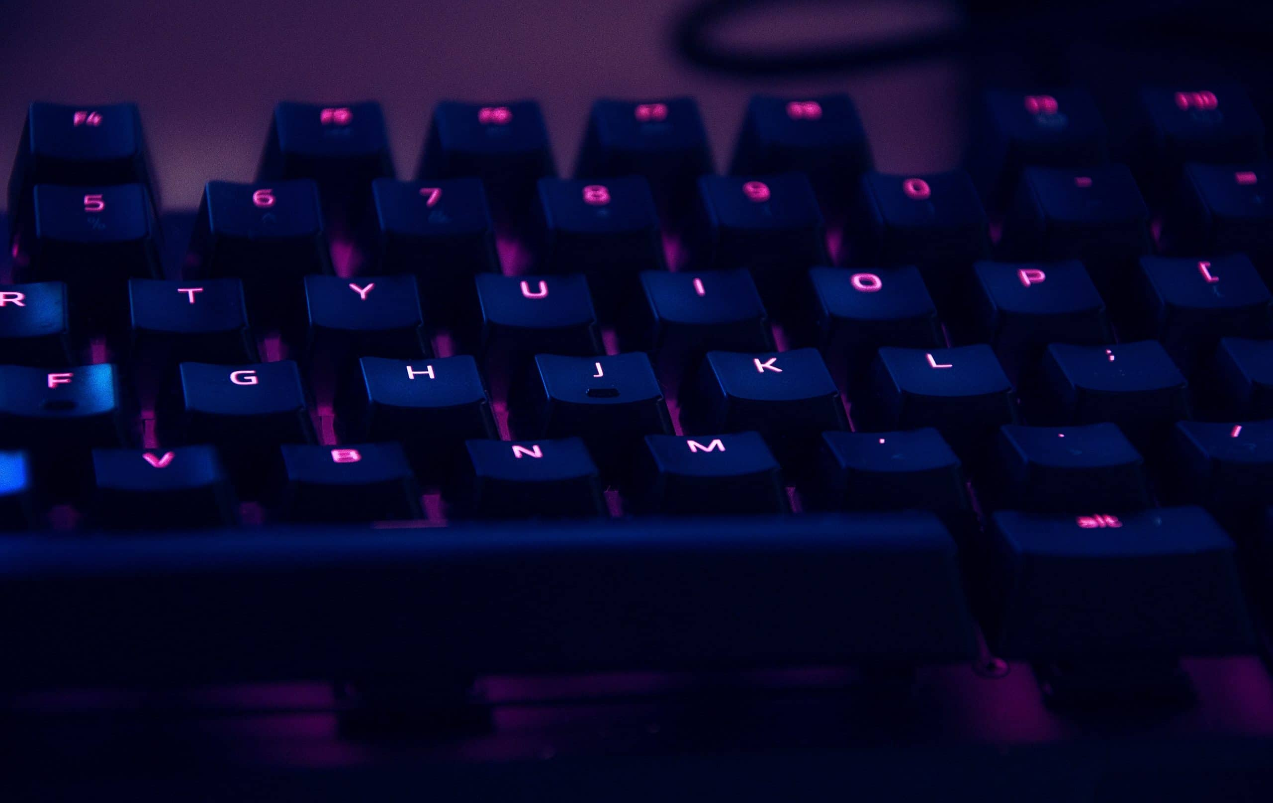 keyboard-with-neon-lighting