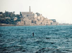 mediterranean-ocean-with-shore