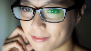 asian-lady-close-up-with-glasses