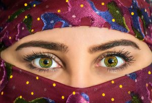 womans-eyes-exotic