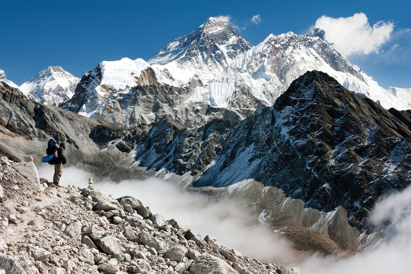 17161976 - view of everest from gokyo with tourist on the way to everest - nepal